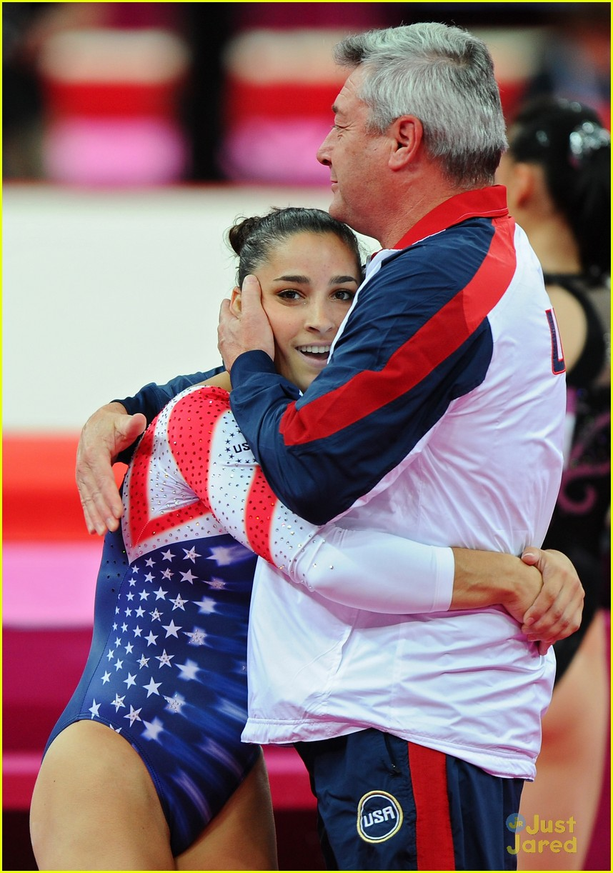 aly raisman gold floor olympics 11