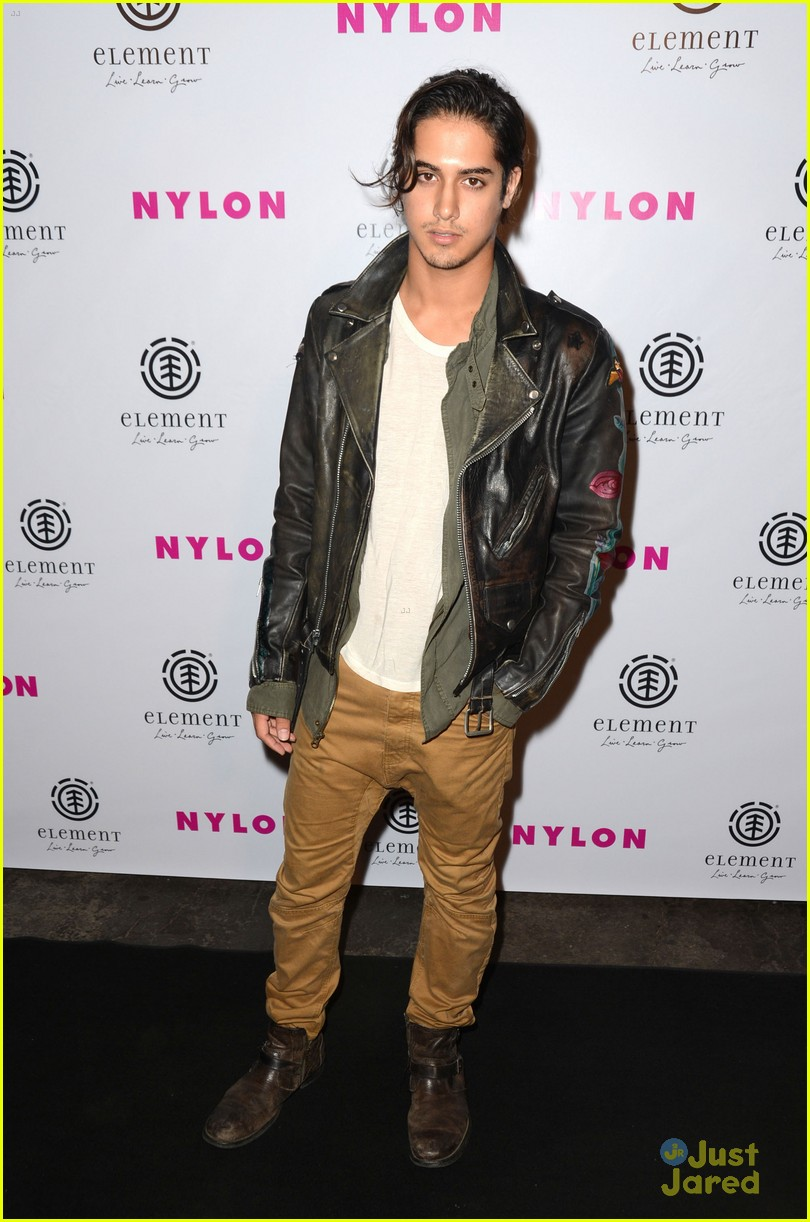 avan jogia tyler blackburn nylon 04