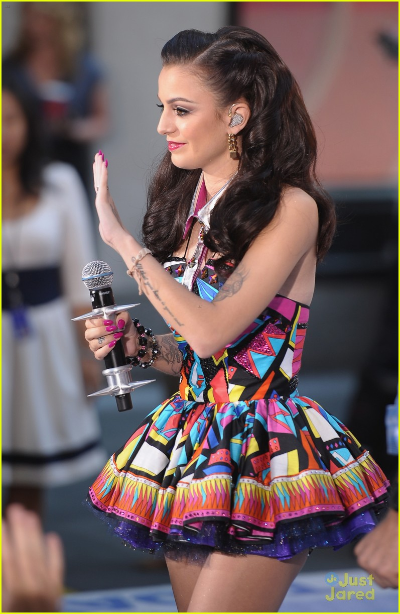 cher lloyd today show 08
