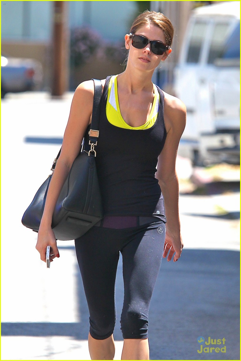 ashley greene workout monday 09