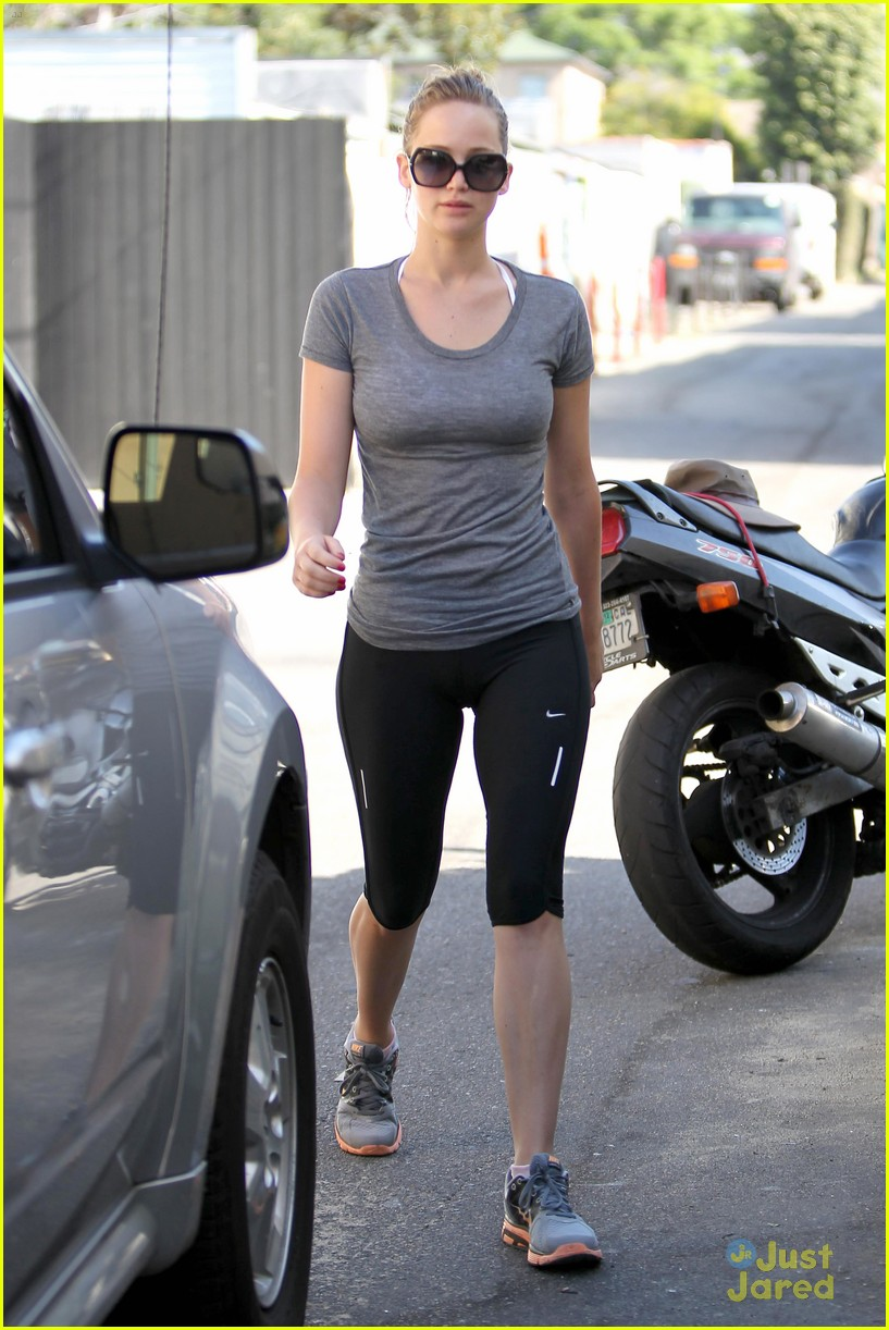 jennifer lawrence boxing gym 03