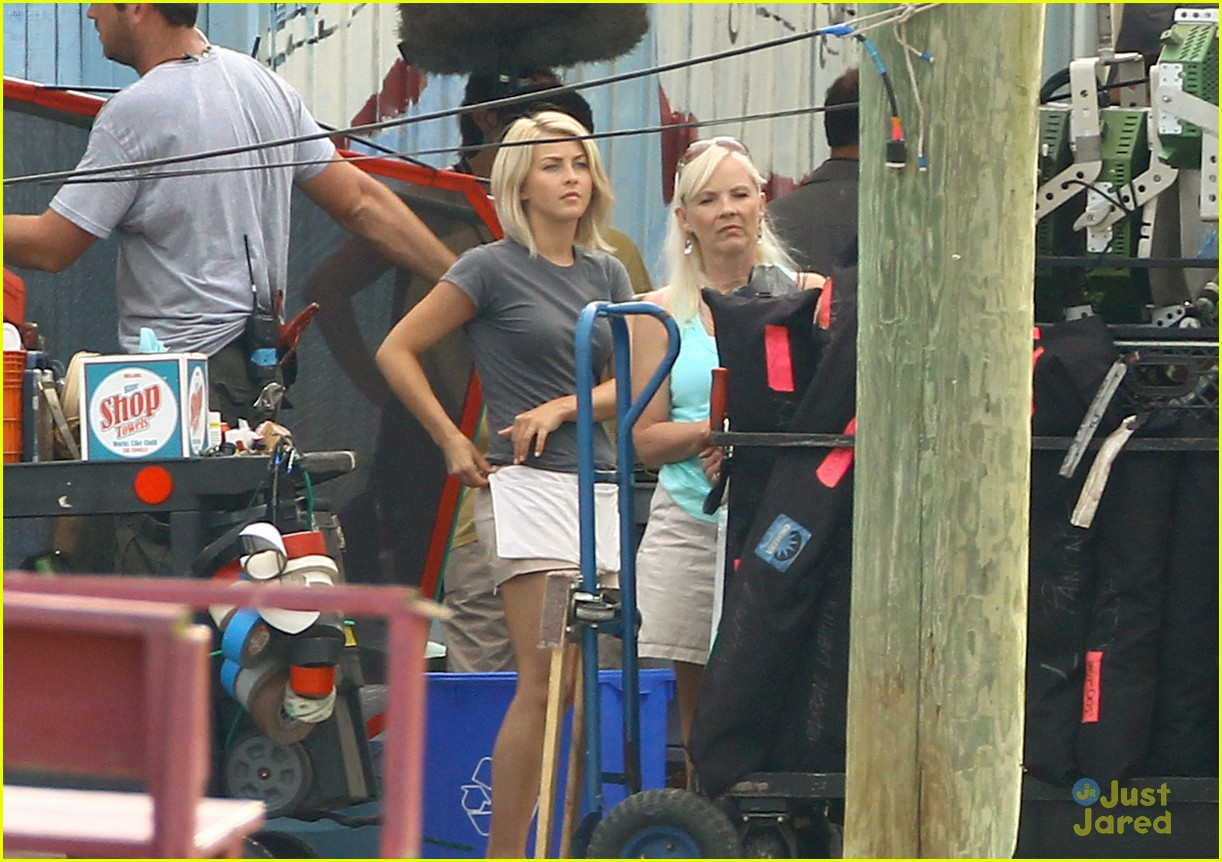 julianne hough haven mom 05