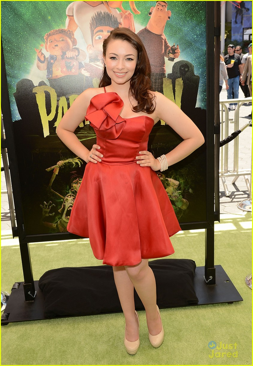Jodelle Ferland just jared