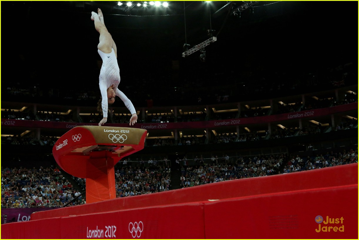 mckayla maroney silver vault olympics 15