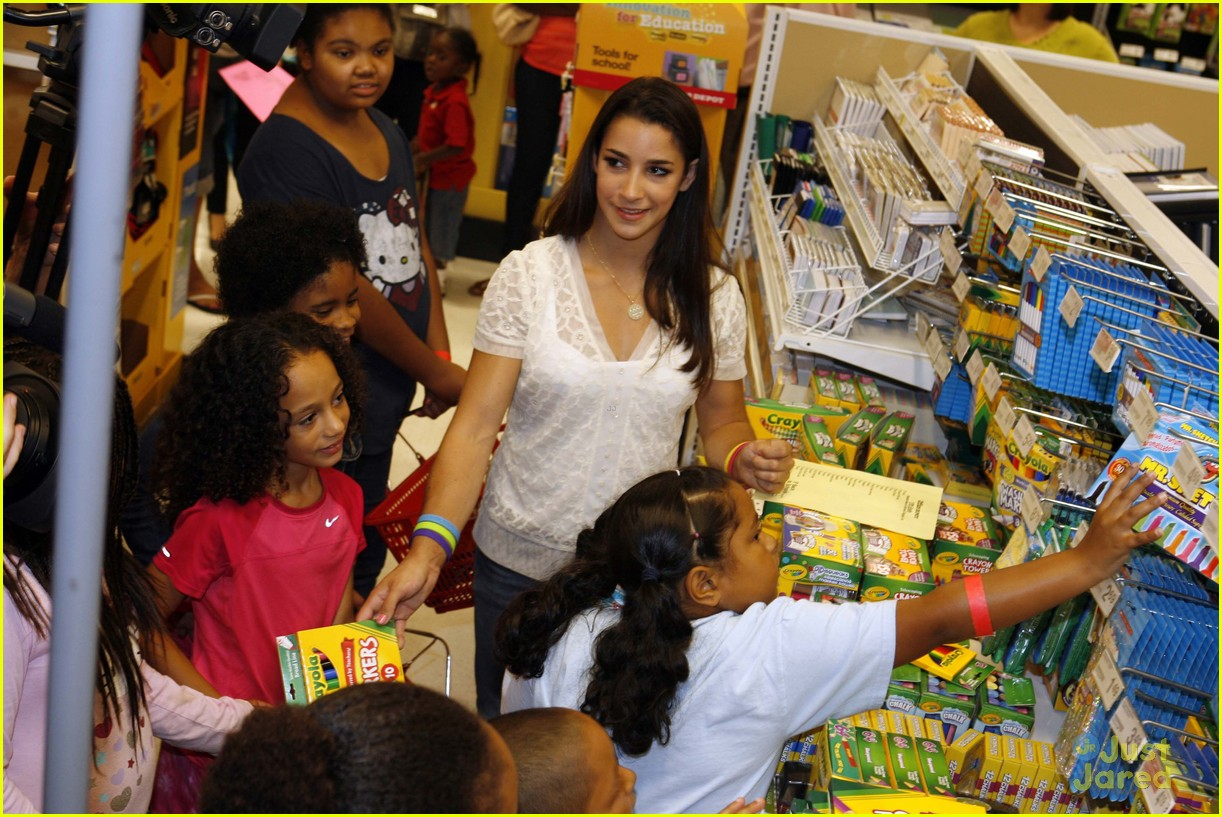 aly raisman office depot 09