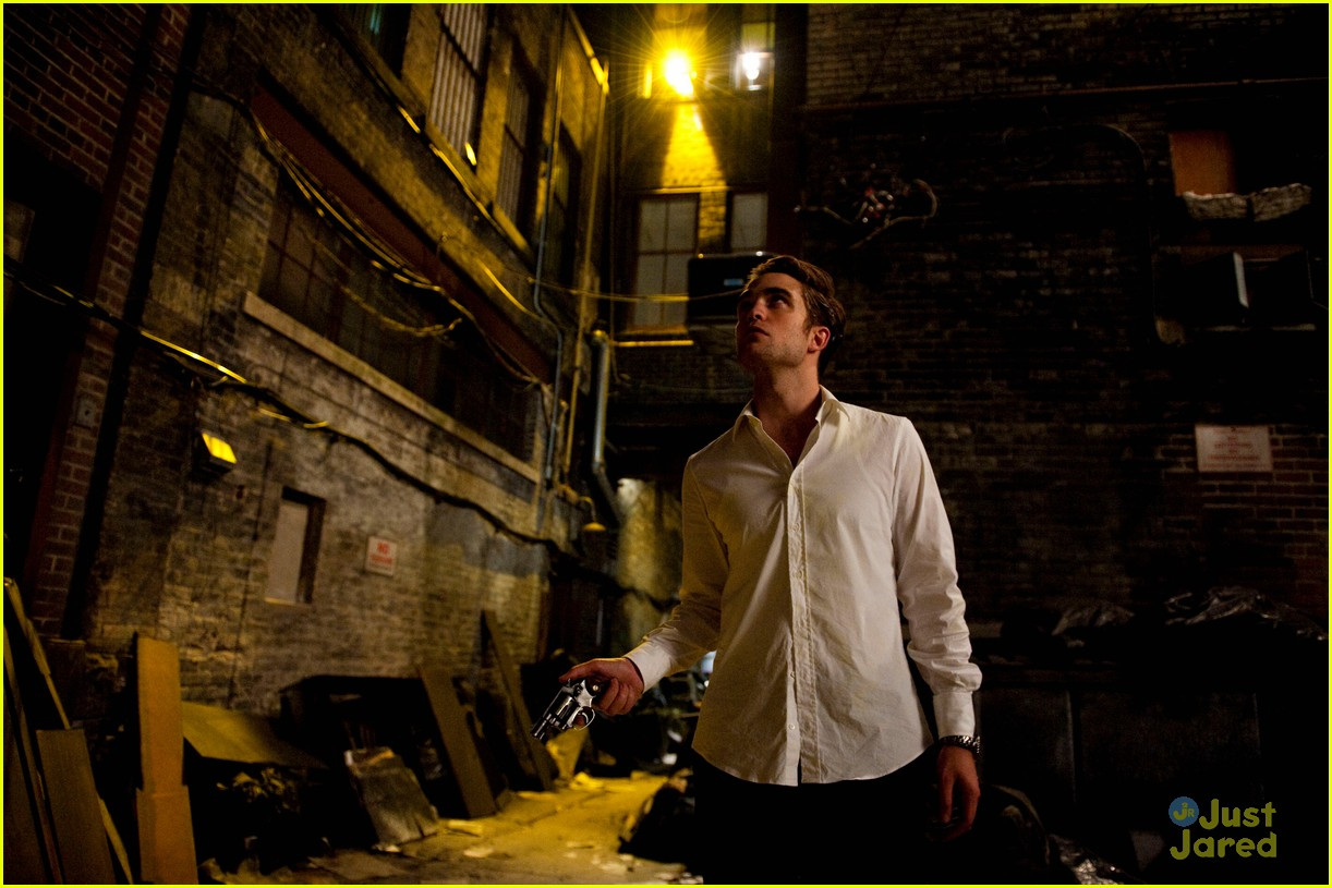robert pattinson new cosmopolis pics 01