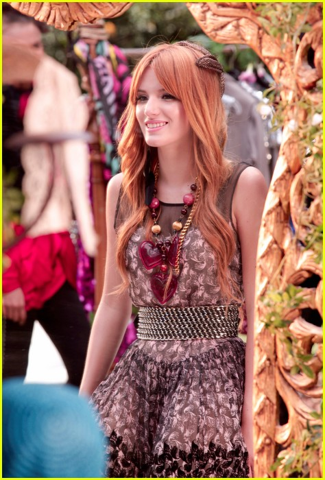 bella thorne zendaya fashion video pics 02