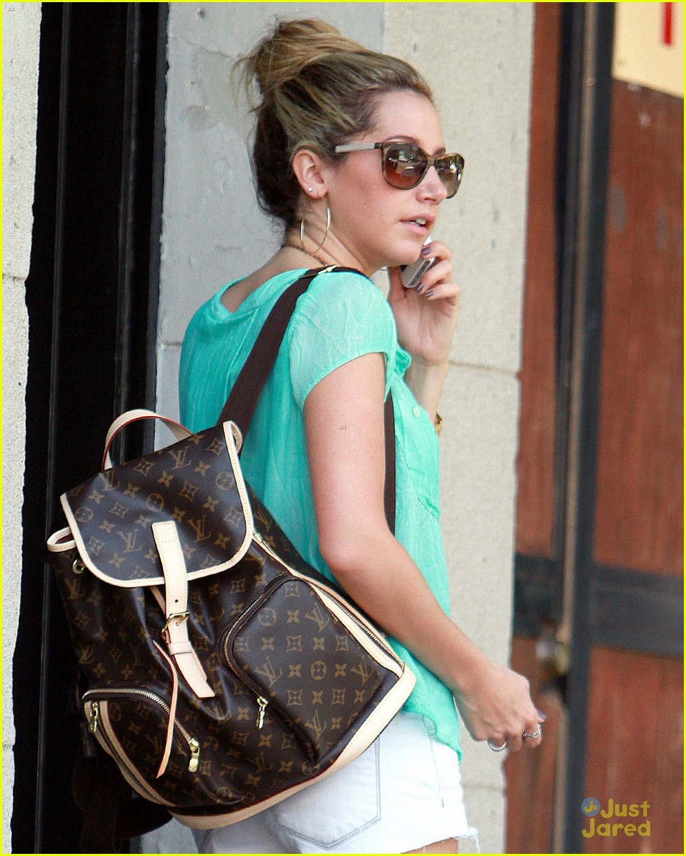tisdale bun pretty 03