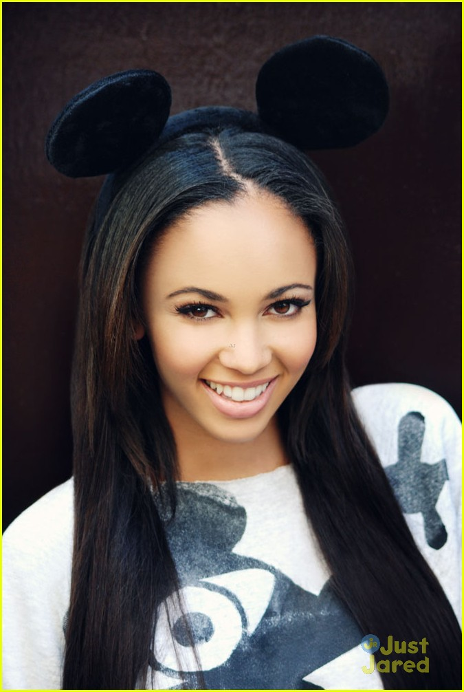 vanessa morgan freeby pics 02