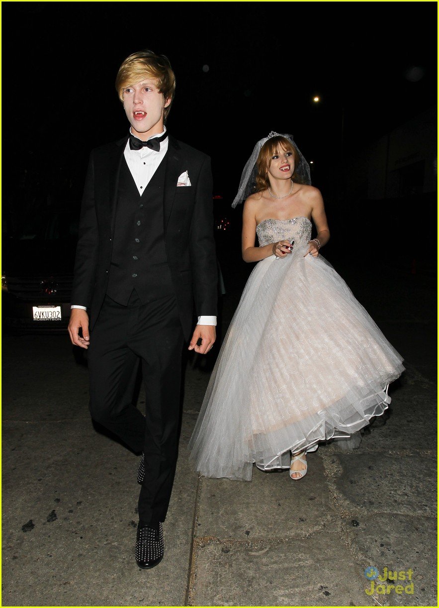 debby ryan bella thorne jj halloween party 04