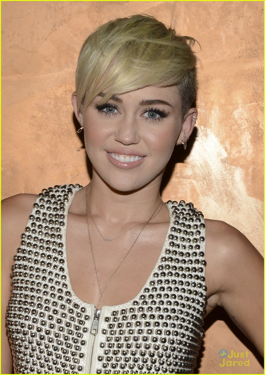miley cyrus city hope event 02