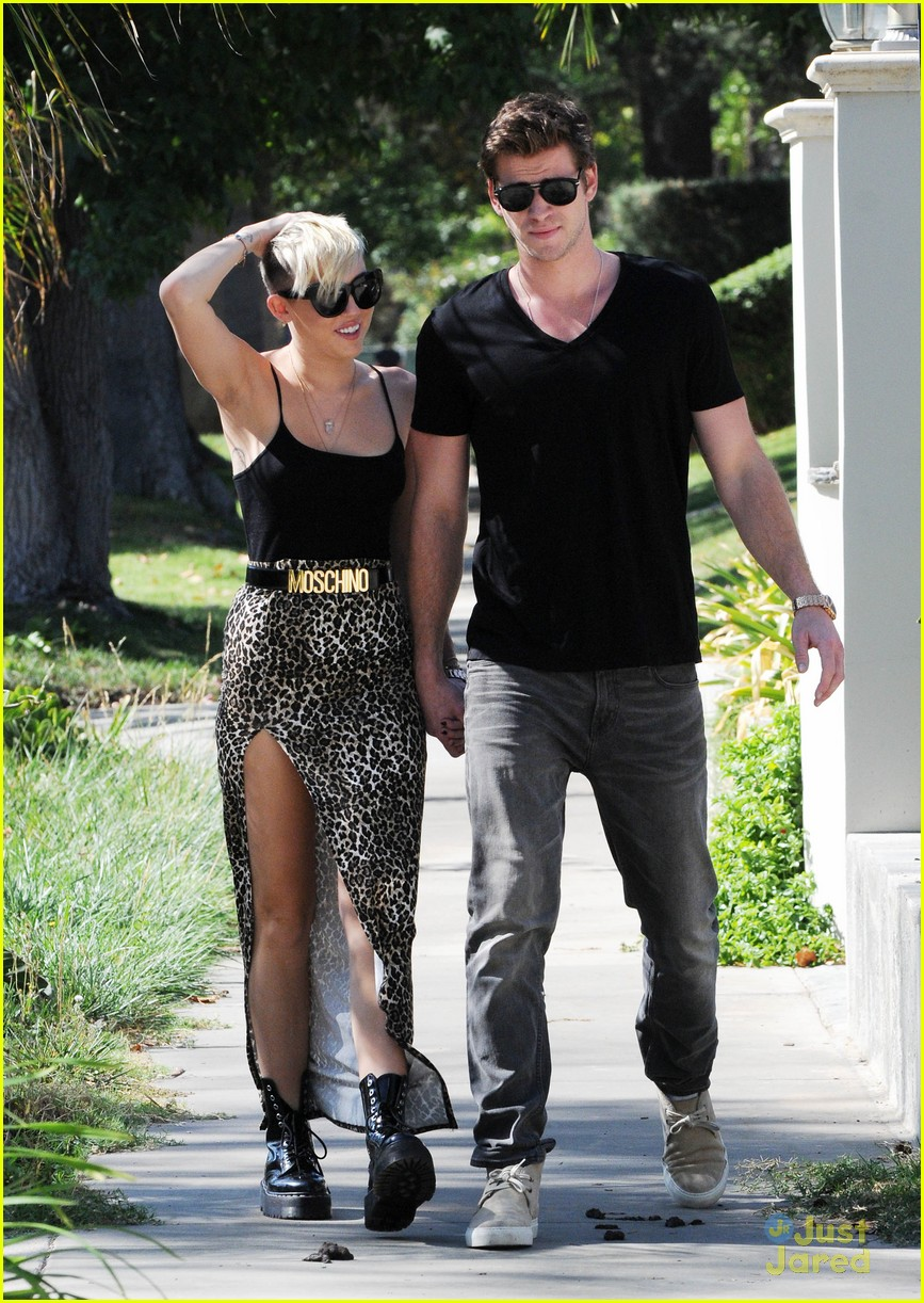 miley cyrus liam hemsworth injured 04