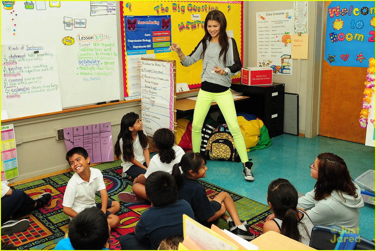 ... School in Los Angeles on Monday afternoon (October 1). The 16-year-old