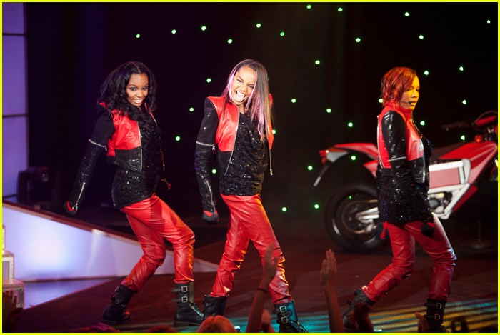 sierra lauryn china mcclain ants 03