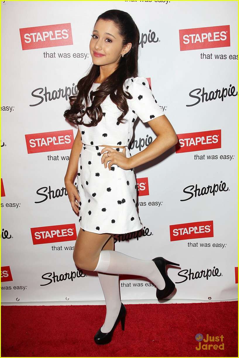 ariana grande sharpie 1d contest launch 05
