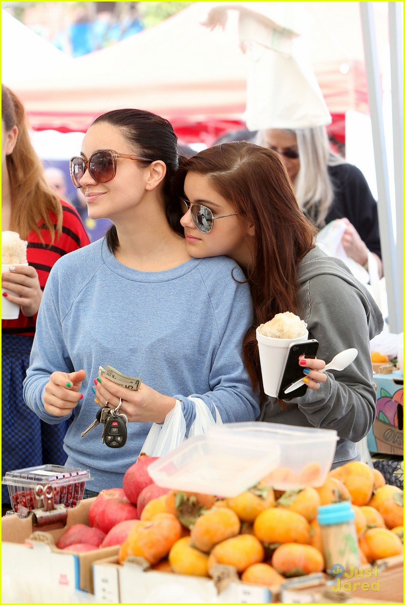 ariel winter farmers market 14
