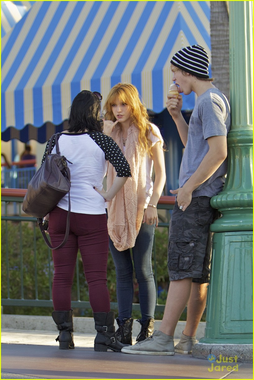 bella thorne tristan klier disneyland 09