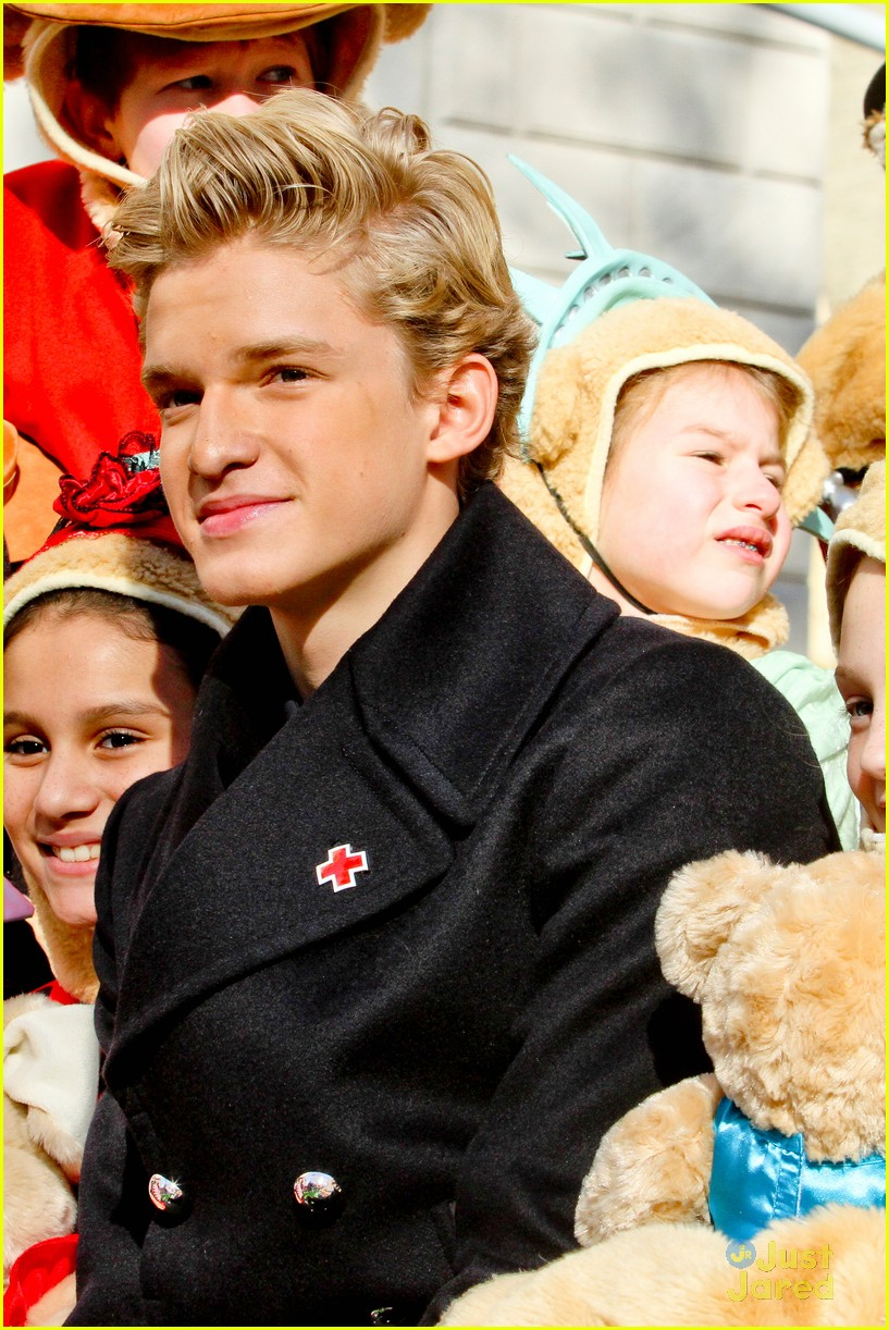 cody simpson macys parade 10