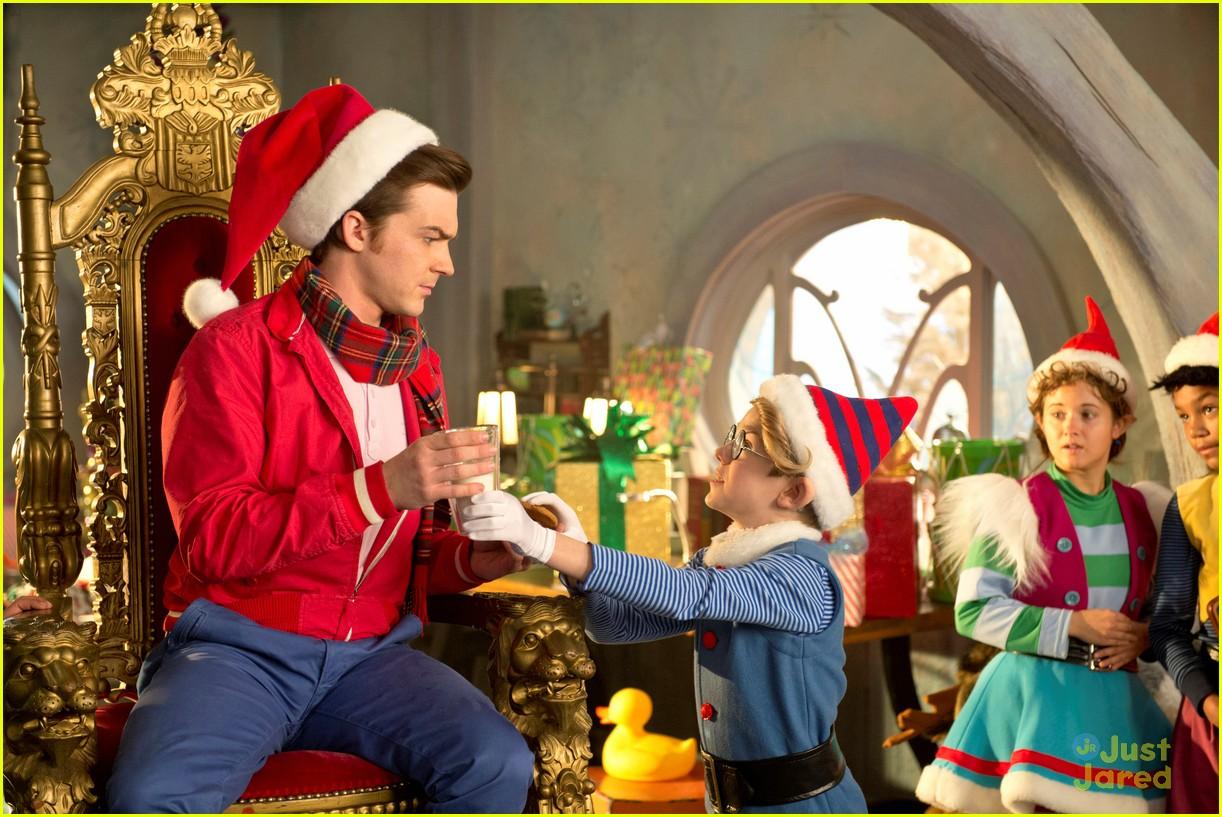 Drake Bell & Daniella Monet Have 'A Fairly Odd Christmas' | Photo ...