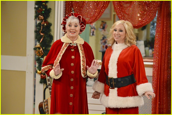 good luck charlie christmas 04