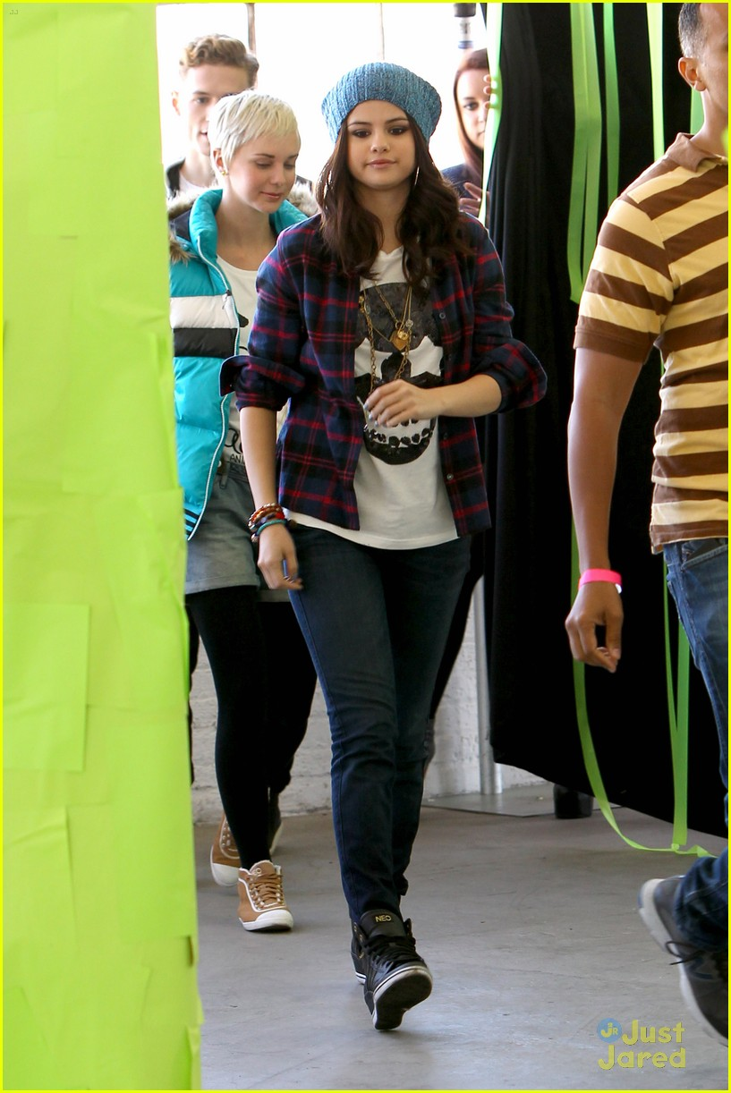 selena gomez adidas neo photo call 05