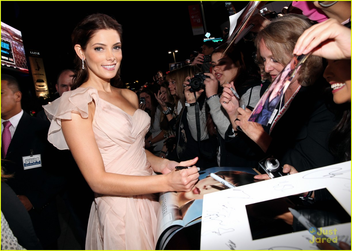 ashley greene bd premiere 01