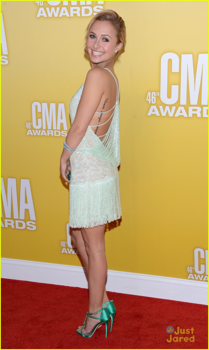 hayden panettiere cma awards 13