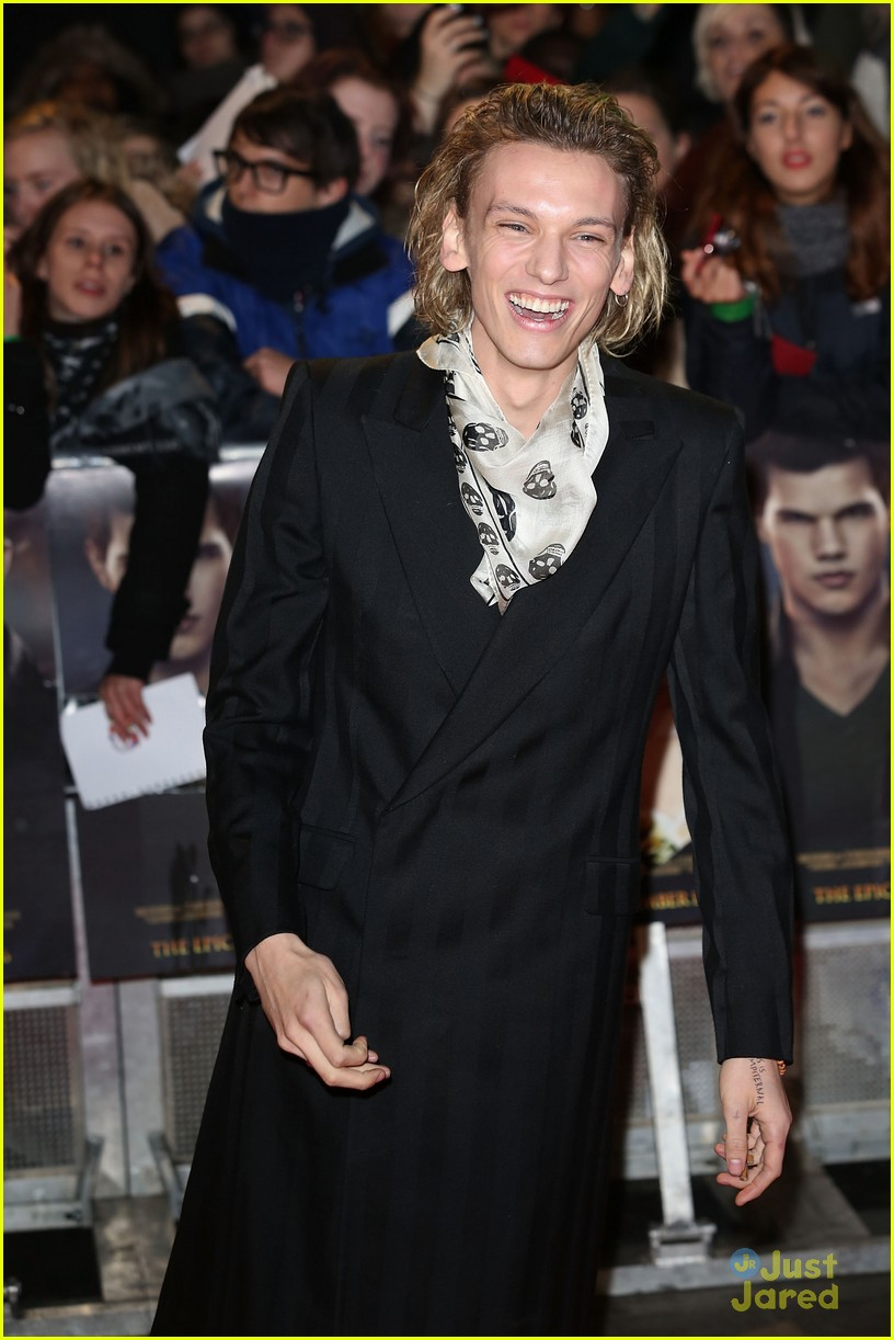 jamie campbell bower ella henderson twilight uk 07