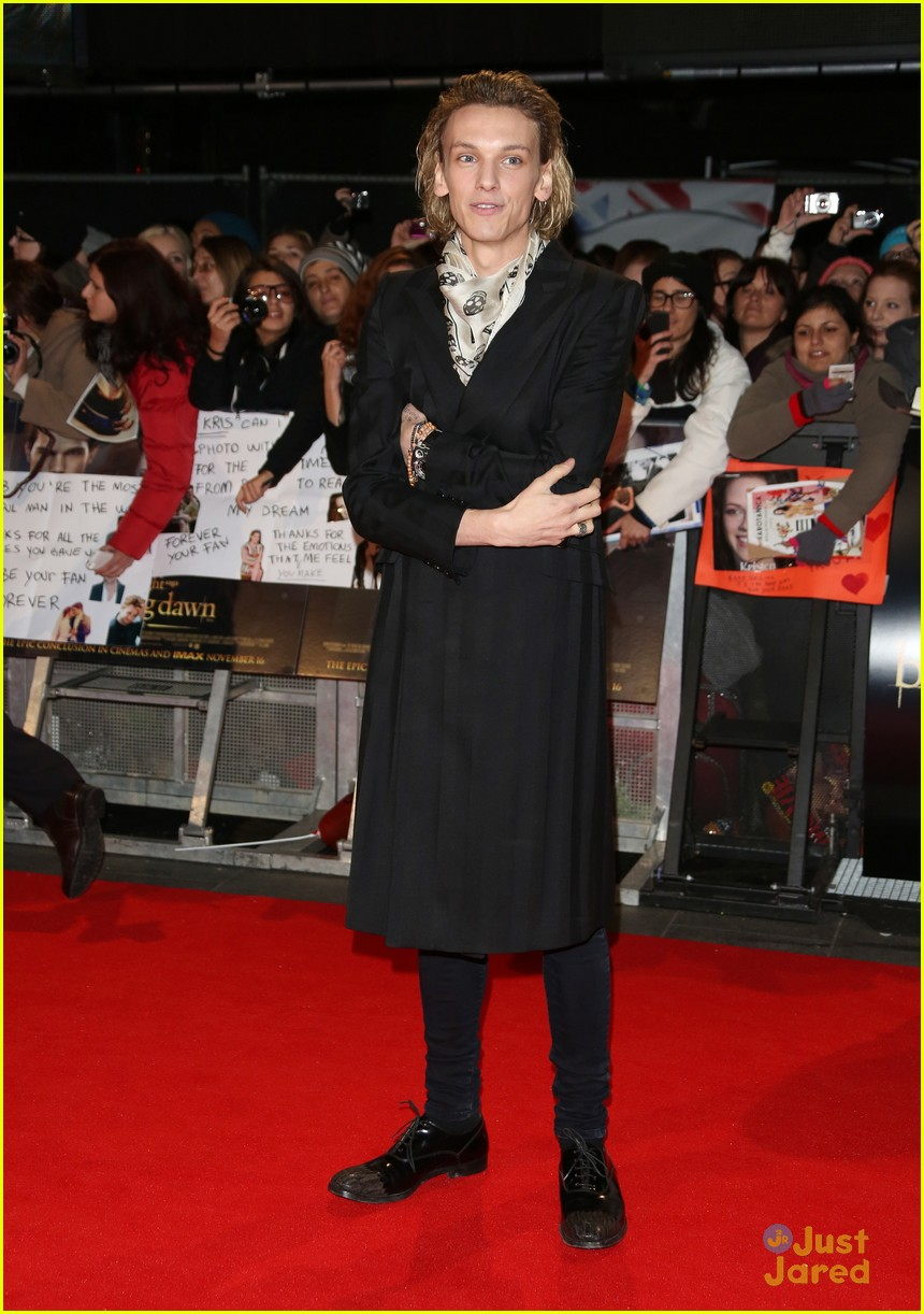 jamie campbell bower ella henderson twilight uk 12