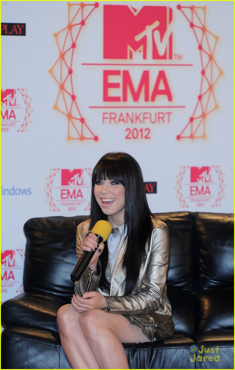 carly rae jepsen ema conference 07