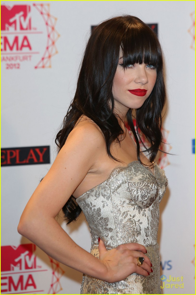 carly rae jepsen mtv emas 15