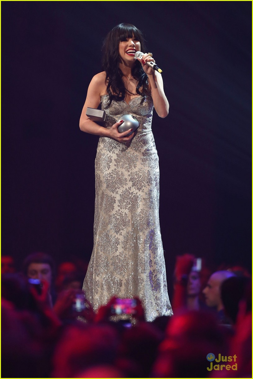 carly rae jepsen mtv emas 22