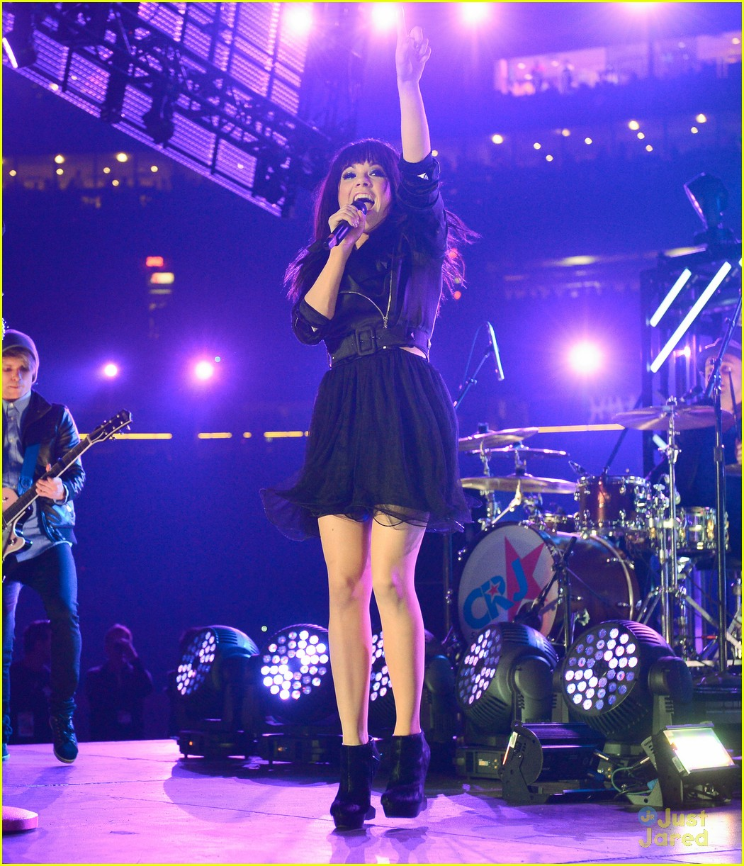 carly rae jepsen grey cup 04