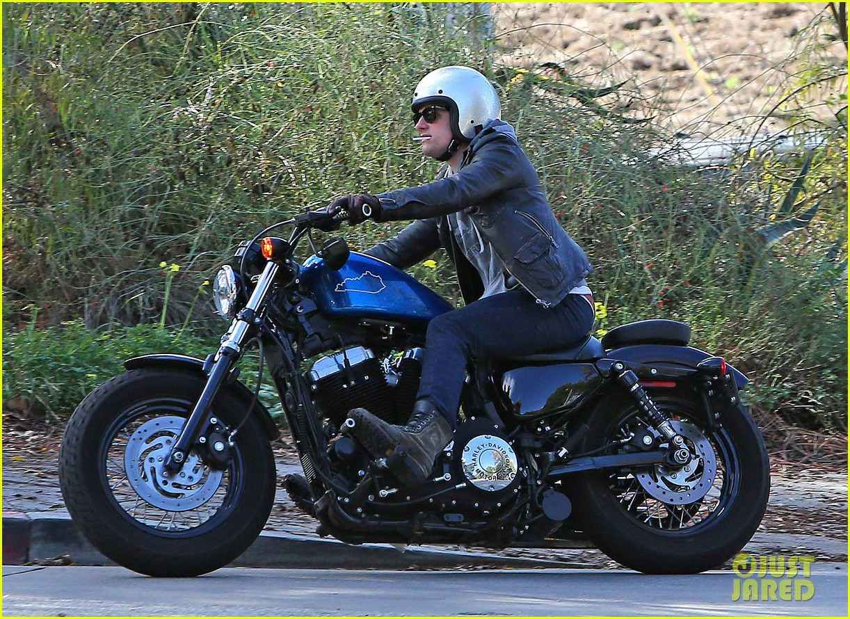 josh hutcherson motorcycle ride 05