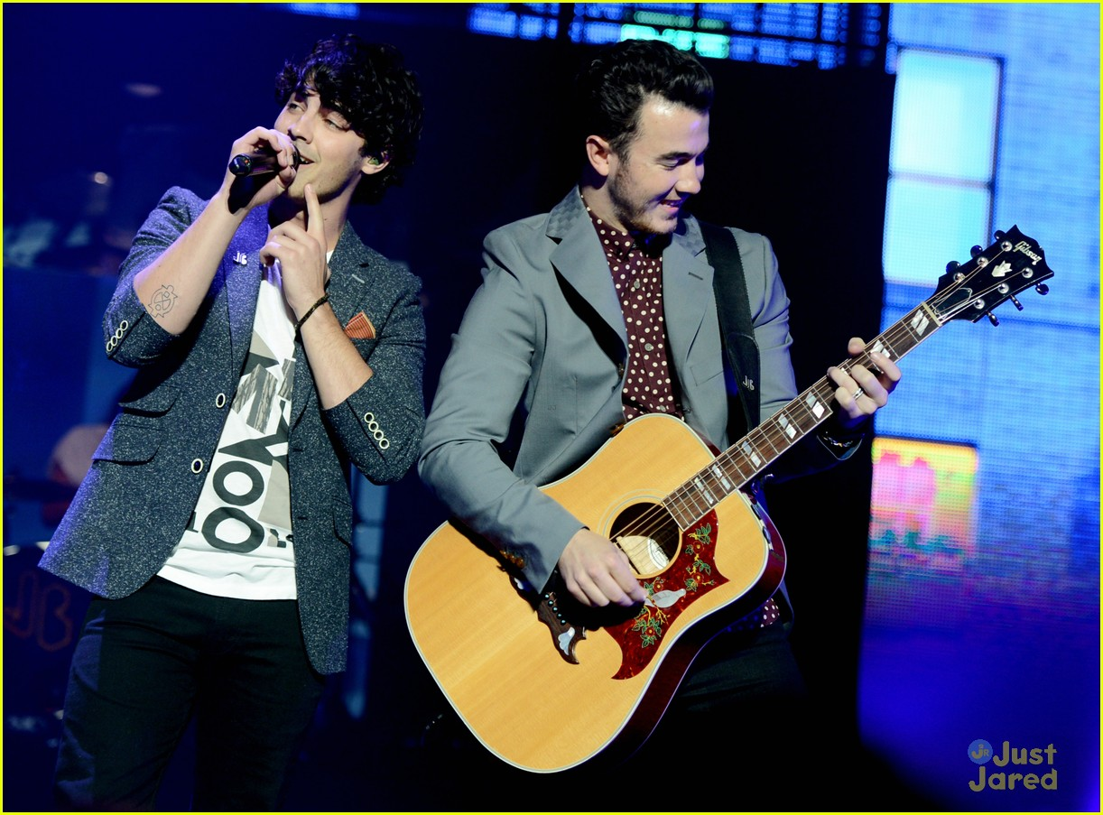 jonas brothers pantages concert 04