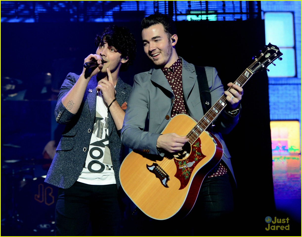 jonas brothers pantages concert 27