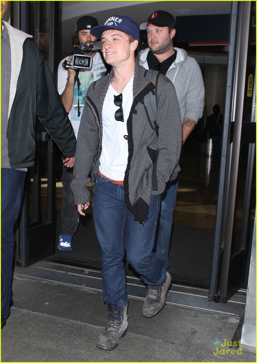 josh hutcherson jennifer lawrence lax 08