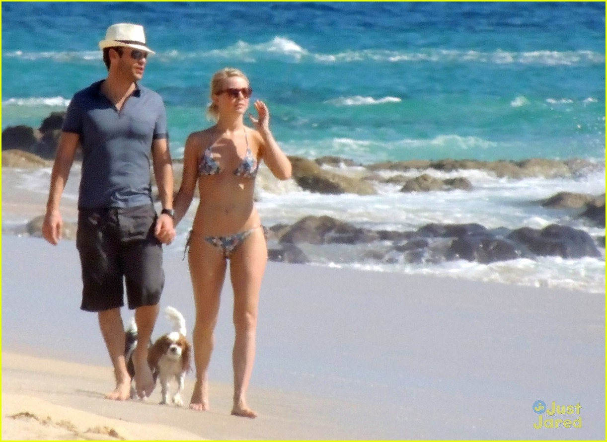 julianne hough bikini beach ryan 05