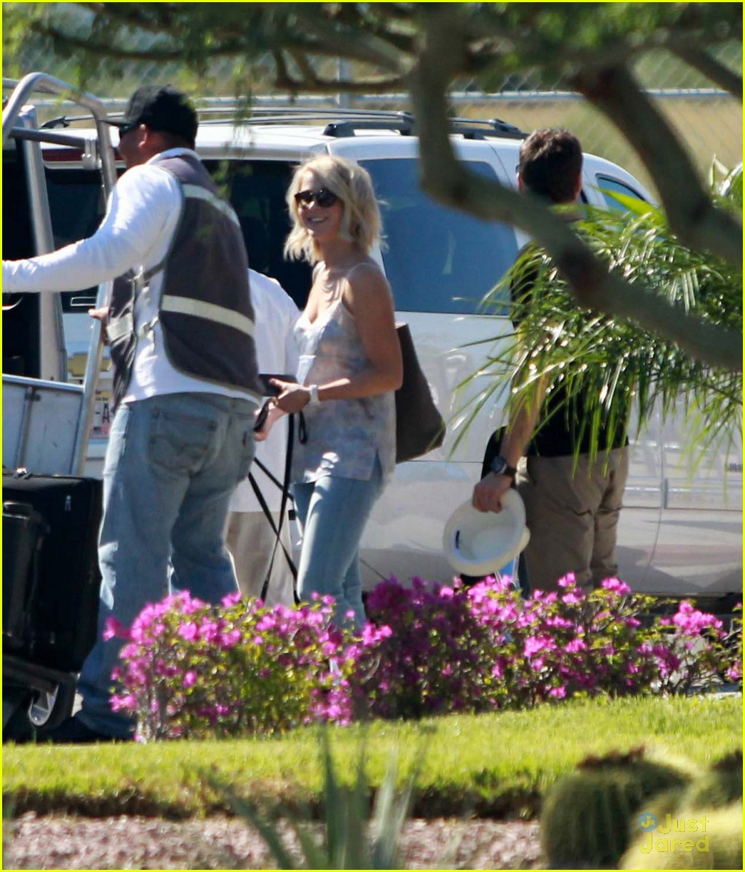 julianne hough mexico vacat ryan 04