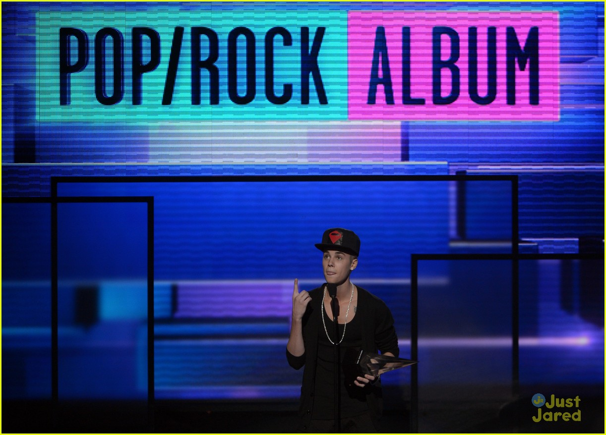 justin bieber performance amas 12