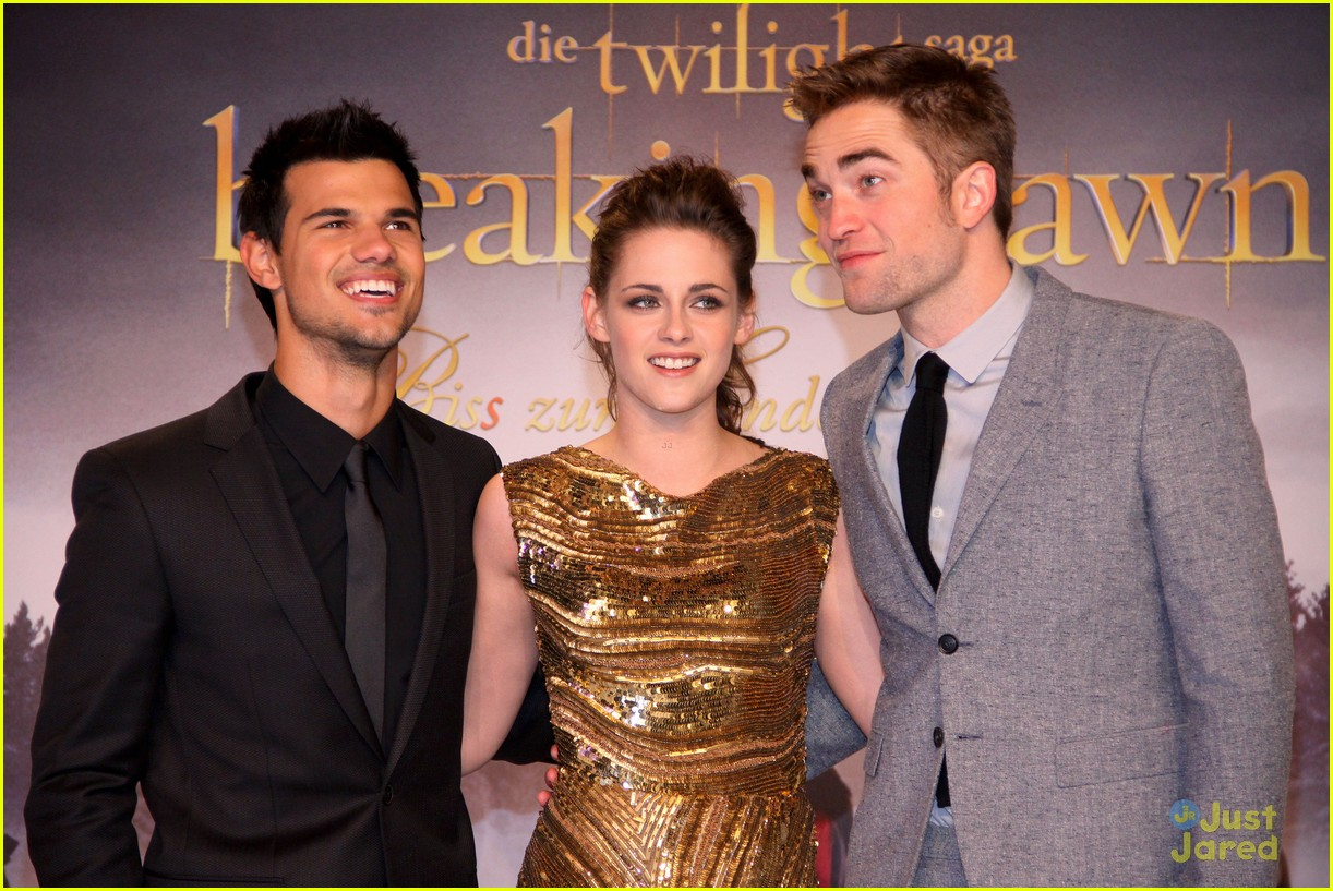 kristen stewart berlin breaking dawn 01