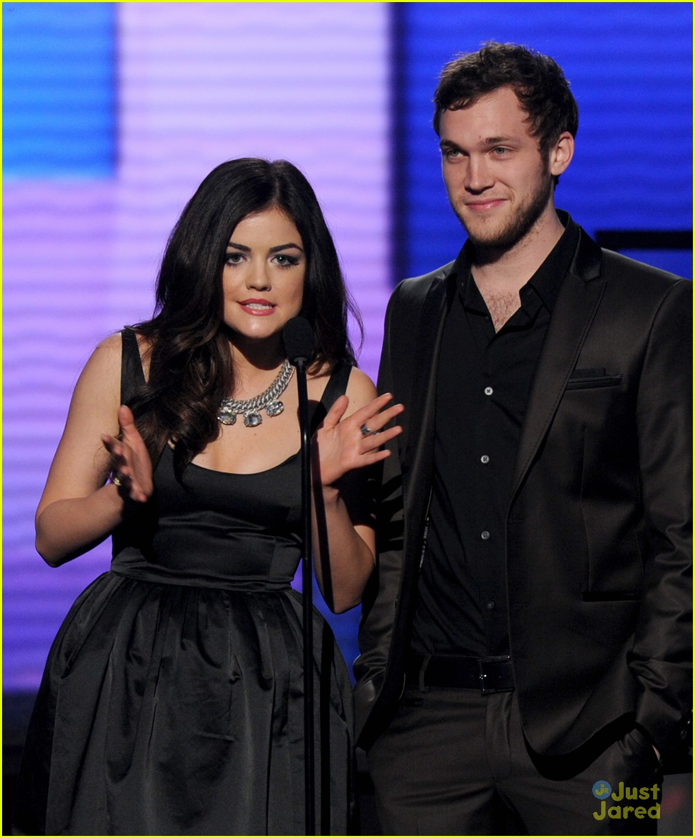 lucy hale amas halo awards 05
