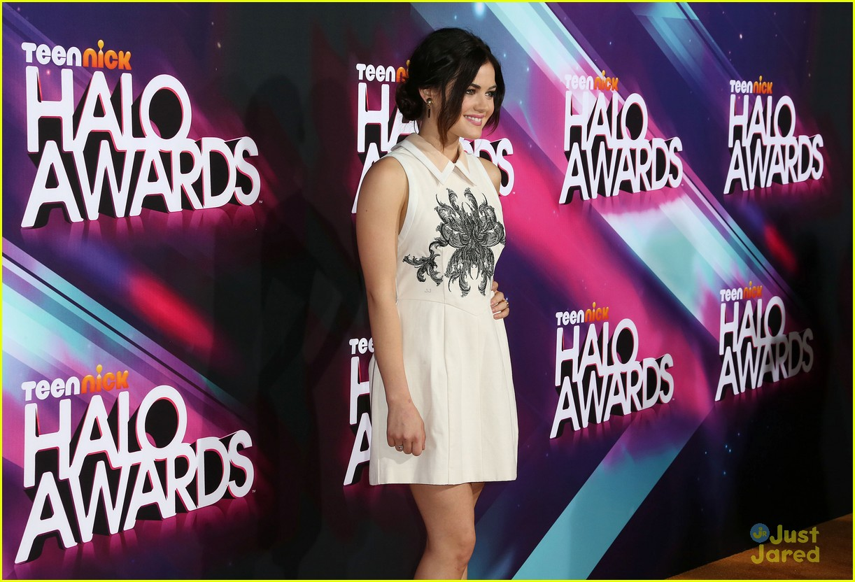 lucy hale amas halo awards 11