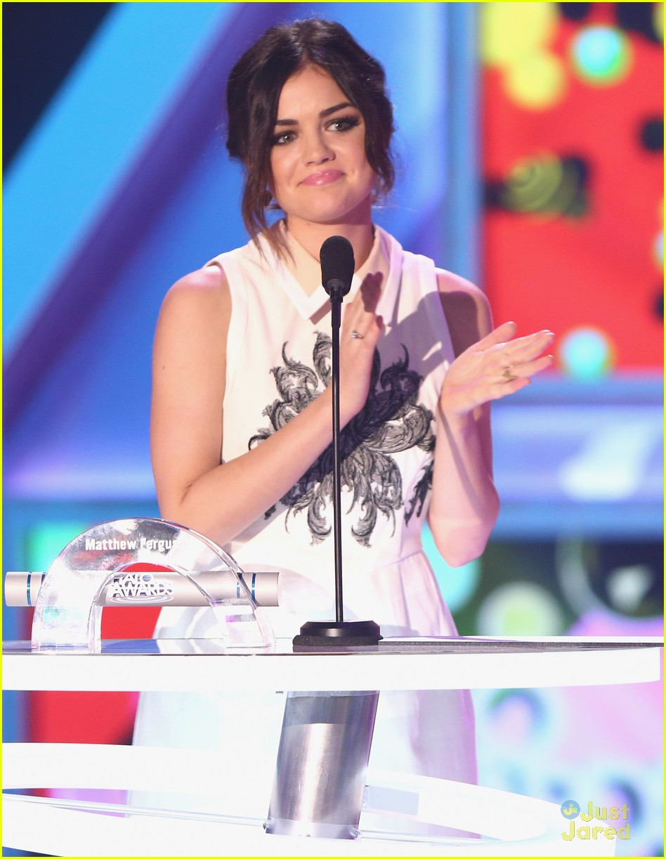 lucy hale amas halo awards 13