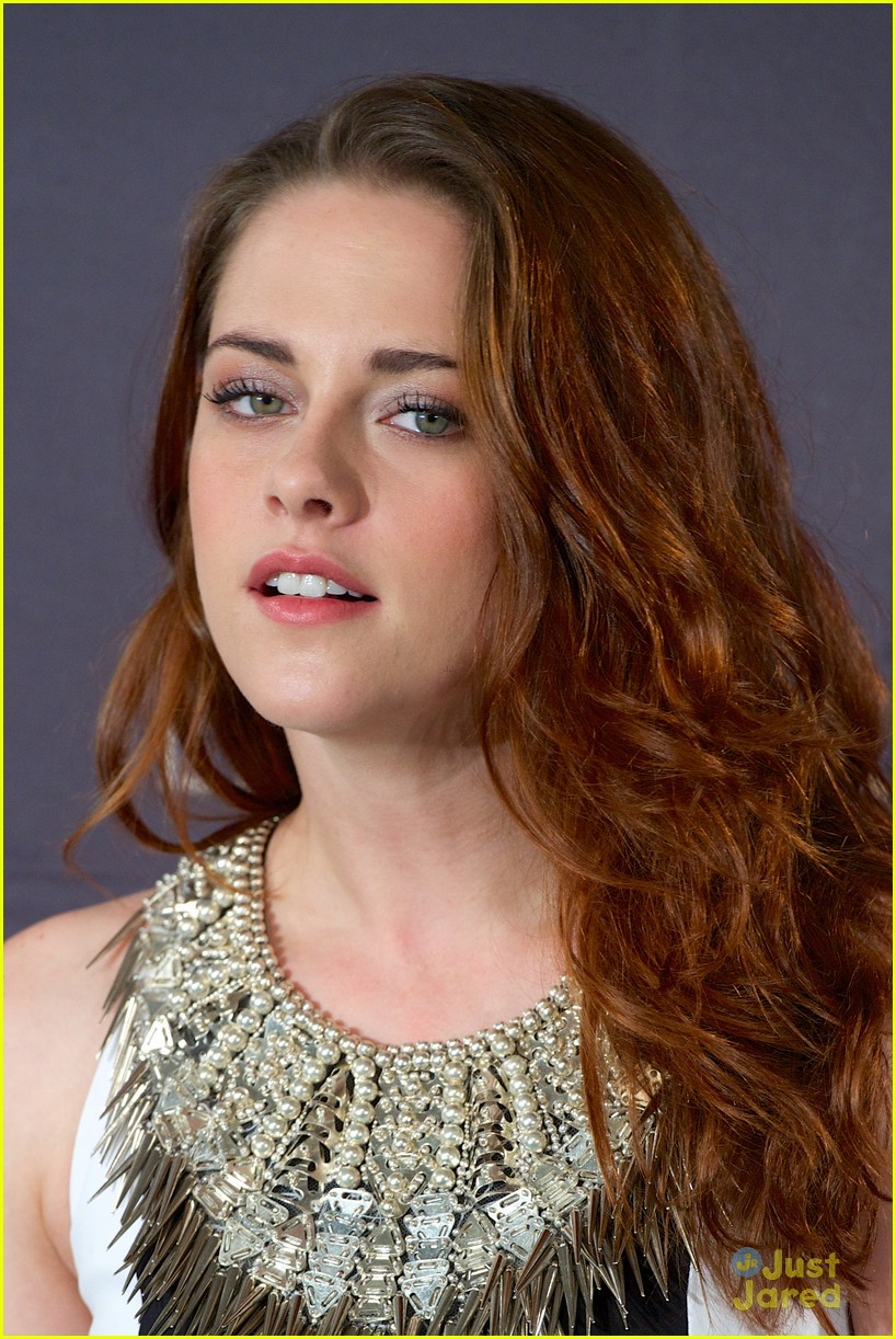 kristen stewart robert pattinson breaking dawn madrid photo call 16