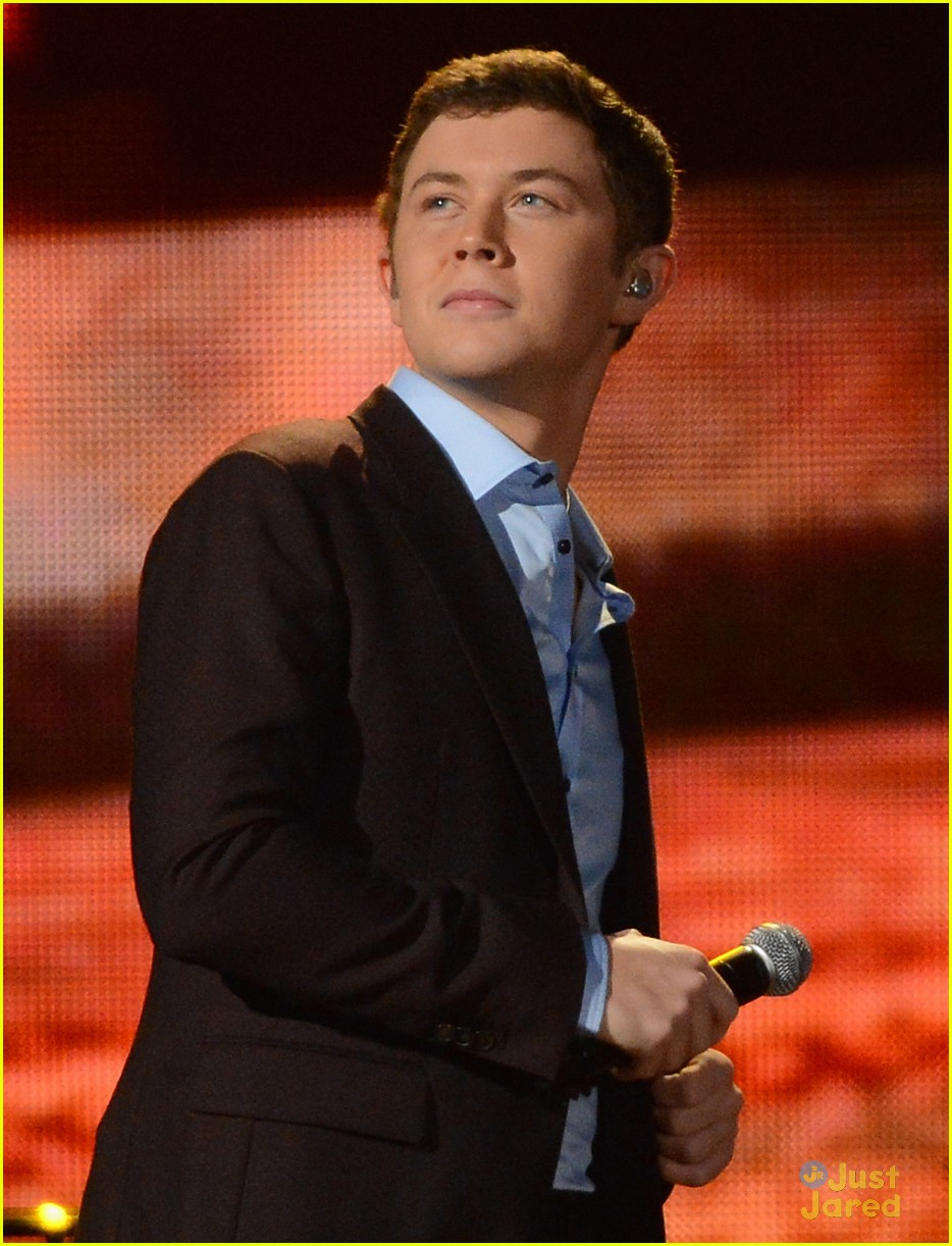 scotty mccreery country christmas 03