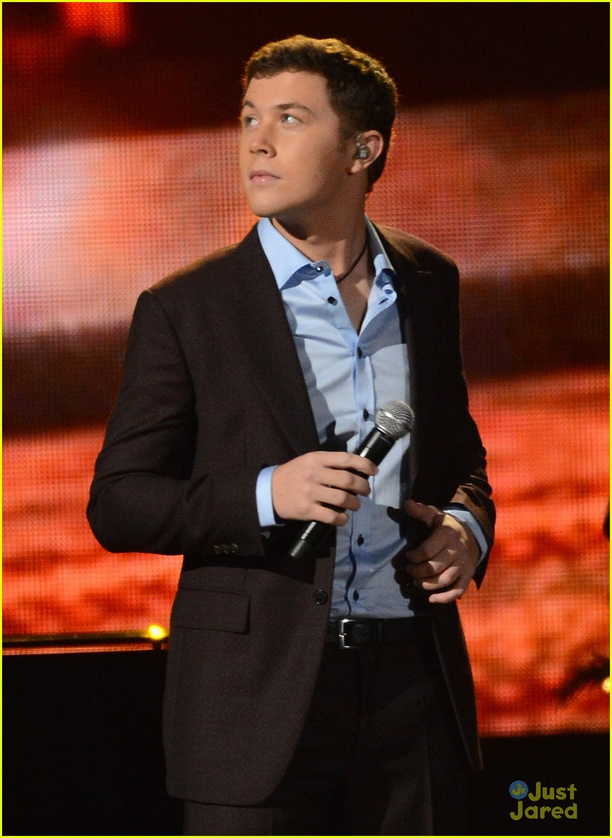 scotty mccreery country christmas 11