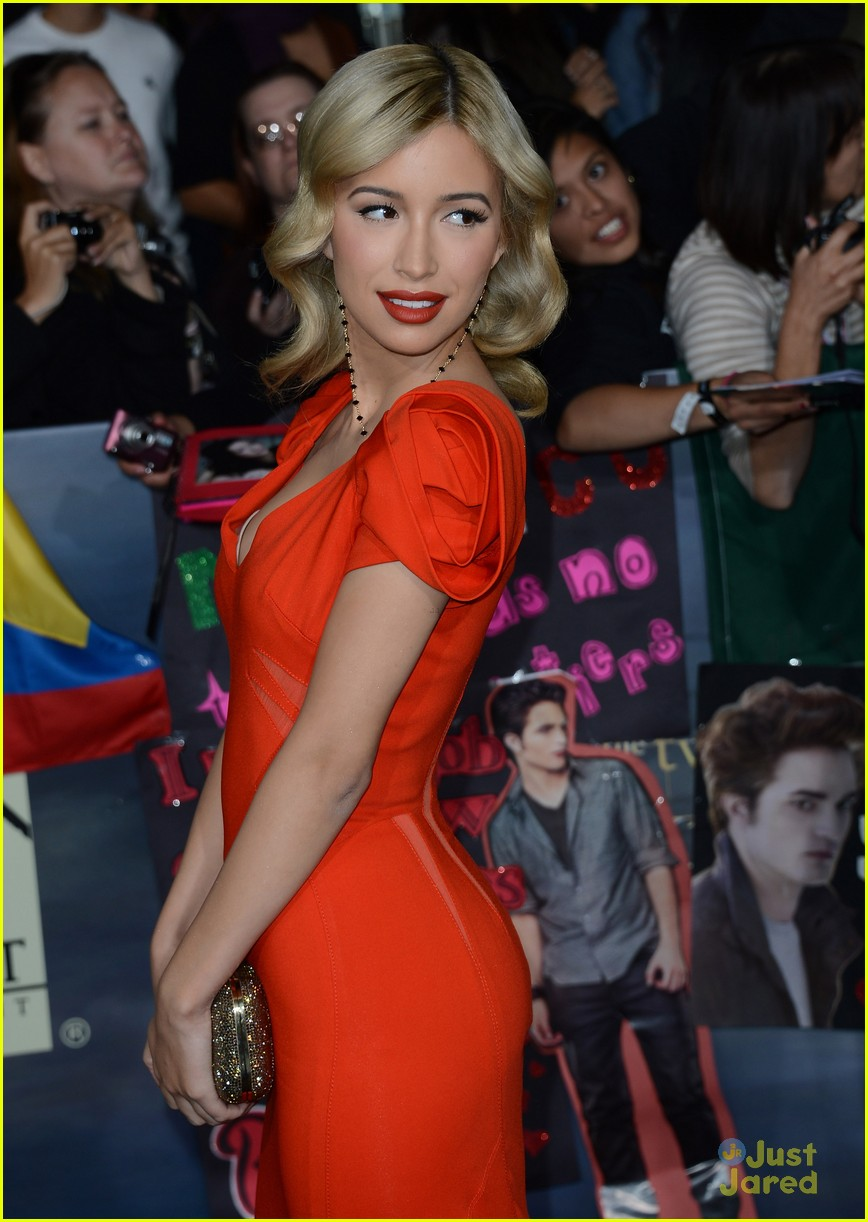 christian serratos bd premiere 05