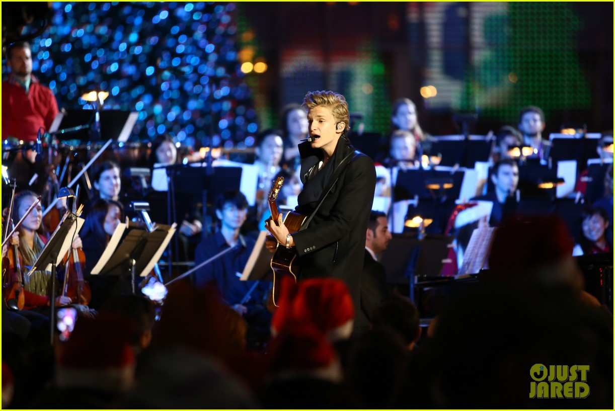cody simpson la live tree lighting 16