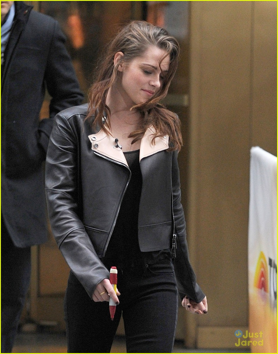 kristen stewart i could do five more years of twilight 06